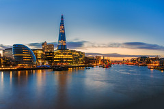 London - View over the Thames (John & Tina Reid) Tags: greatbritain winter sunset london architecture unitedkingdom theriverthames modernarchitecture twlight londontowerbridge jonreid londonattractions theshard tinareid nomadicvisioncom