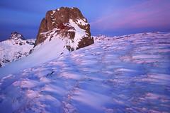 Anayet eta Midi d'Ossau iluntzean (jonlp) Tags: winter mountain snow nature landscape dusk nieve anayet mididossau paisajea atardecerivierno neguapaisaje