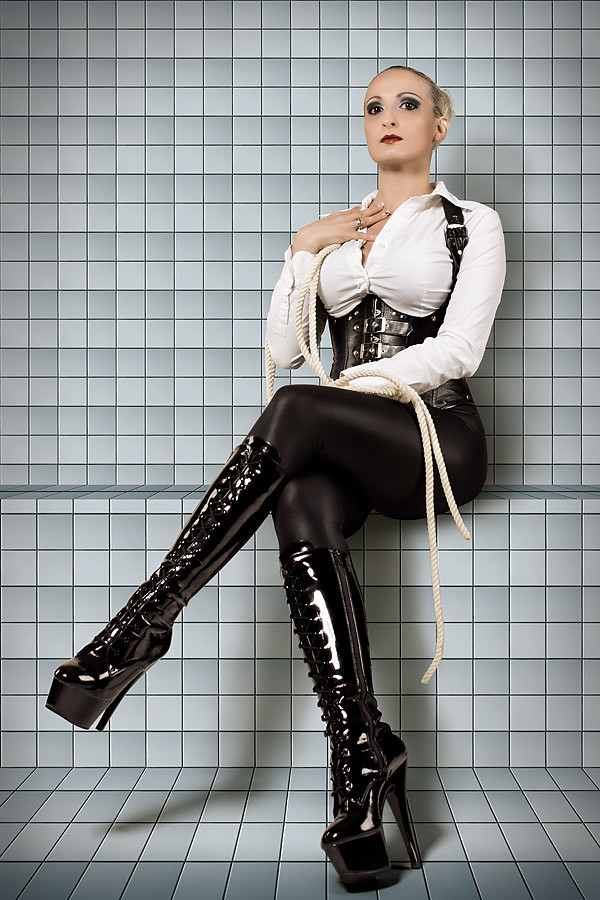 The World S Best Photos Of Leathergirls Flickr Hive Mind