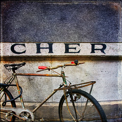 CHER (1crzqbn) Tags: red stilllife sunlight paris color bicycle metal reflections square shadows rusty textures cher 7d ie shining mfcc vividimagination artdigital trolled memoriesbook awardtree magicunicornverybest crazygeniuses exoticimage 1crzqbn netartii