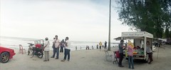 * (-nasruddinmukhtar-) Tags: panorama beach analog 35mm seaside shoreline malaysia analogue 135 kelantan horizonkompakt bachok colek pantaiirama nasruddin nasruddinmukhtar kodakprofotoxl100