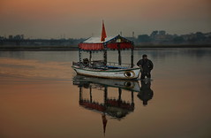 Beautiful Evening @ Rive Jhelum (Asim237) Tags: pakistan sunset reflections jhelum canon1dsmarklll
