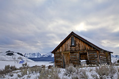 Old Log Cabin (Daryl L. Hunter - The Hole Picture) Tags: usa unitedstates idaho stanley sawtoothrange stanleyidaho