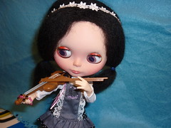 Viola play the violin