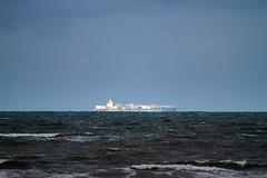 almost beyond the horizon (grwsh.marcel) Tags: sea mer water strand canon boot boat wasser ship vessel zee 7d bateau carrier schiffe wellen schip golven containerschip canon7d