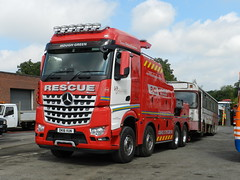 Another delivery. (Renown) Tags: lorry truck breakdown recovery wrecker towing rescue mercedes actros reliancebusworks a71vtg dk16vun houghgreen