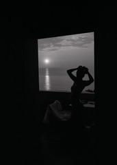 Tropea, Italy (OQ62) Tags: contax g2 kodak tmax 100 contaxg2 kodaktmax100 blackandwhite film epsonv700 analog 35mm mare sea tropea italy italia calabria sunset