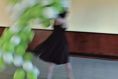 Quelque part dans le temps... Somewhere in Time... #Darktable #FujiX-S1 (ImAges ImprObables) Tags: bourgogne ctedor commune bresseysurtille mariage anniversairedemariage nocedeperle femme danse robe flou ballon rve temps amour traitement darktable fujixs1
