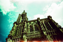 Cathdrale Notre-Dame de Strasbourg (Markus Moning) Tags: strasbourg alsacechampagneardennelorrain frankreich alsacechampagneardennelorraine fr cathdrale notredame de elsass alsace strassburg france lomo lca lc lomography analog 35mm film xpro cross processing process agfa ct precisa 100 expired minster cathedral kathedrale mnster church kirche tower light leak