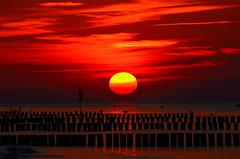 Sunset (madbesl) Tags: sonnenuntergang sunset khlungsborn meer sea ostsee balticsea mecklenburgvorpommern sun sonne abendrot nikon d5100 nikkor55300