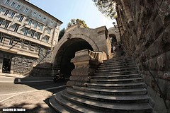 a zonzo per Trieste (giacomarco1981) Tags: city italy scale canon eos tunnel scala galleria trieste città friuliveneziagiulia 450d scaladeigiganti club16