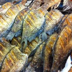 ปลาสลิดทอด | Crispy Fried Gourami @ เจ๊เม้า | J Mao