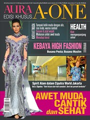 Cover (Edisi Khusus Oktober 2012) (Media Bintang Indonesia) Tags: new home nova logo star media cover aura cr tabloid rumah bintang anggun genie homeliving infotainment gosip transaksi nyata santun logonew logotabloid logomajalah logoaura logowanitaindonesia logokompas mediawanita cekricek logomedia logomediaauranew