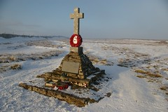 Buckden Pike Memorial Cross (Tony Garofalo) Tags: england monument memorial cross yorkshire polish warmemorial pilot parker raf cray pennines yorkshiredales secondworldwar aircrew worldwartwo aircrash airmen northernengland royalairforce northwestengland buckdenpike wellingtonbomber vickerswellington josezfusniak
