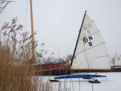 Langweerderwielen (yeshead29) Tags: winter ice zeilen sailing friesland fryslan ijs iphone dn icesailing langweer langweerderwielen ijszeilen iphone4s