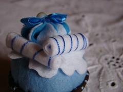 Cupcake (Mimos da Samy) Tags: comida cupcake bolo feltro morango doce docinho portarecados
