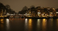 Amsterdam by night (Iam sterdam.) Tags: bridge light holland amsterdam night evening amstel amsterdambynight alice049g