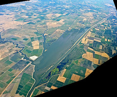 photo - Sacramento Deep Water Ship Channel - pano (Jassy-50) Tags: fromtheplane lookingdown sacramentoriverdeepwatershipchannel sacramentodeepwatershipchannel shipchannel canal prospectslough prospect slough water sacramentovalley sacramento california field agriculture photo aerial panorama ireland2icelandcruise