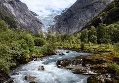 """Olhar Cnico"" (JJSantosphoto) Tags: olharcnico olhar cnico briksdalsrenglacier stryn sognogfjordane noruega sogn fjordane glacier geleira briksdalsren escandinavia travel viagem canon jjsantos jjsantosphoto mata floresta riacho wow brilliant"
