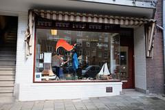 DSCF6593.jpg (amsfrank) Tags: people rivierenbuurt candid amsterdam maasstraat rien klok kapper hairdresser