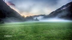 La tte dans la brume. (Jean McLane) Tags: landscape paysage paisaje hdr colorful colors colores couleurs montagne montaa mountain brume jura france