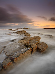 Old Hartley and St. Mary's (Alistair Bennett) Tags: sunset lighthouse seascape coast rocks stmarys whitleybay tynewear oldhartley baitisland gnd075he gnd045se nikkorafs1635mm4gedvr