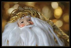 Merry Christmas 2012 (RattyBoots) Tags: santa christmas xmas macro canon bokeh tinsel 7d speedlight softbox 2012 canon100lismacro