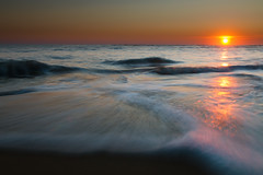 Flow (Tony N.) Tags: longexposure sunset sea sky orange sun mer france beach soleil mar waves ngc ciel foam vagues plage ileder coucherdesoleil ecume charentes poselongue nikkor175528 saintclmentdesbaleines d300s