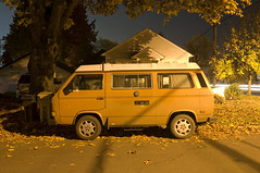 Vanagon (Curtis Gregory Perry) Tags: orange bus fall leaves vw night oregon volkswagen noche nikon highway long exposure nacht nat noite 20 van nuit notte nos natt malam corvallis noc ntt   vanagon nag gece noapte  d300   no m   nakts  oche   gauean