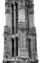 La otra catedral - Paris (Polycarpio) Tags: paris france torre iglesia poly francia gallardo polycarpio fotosdeparis jmgallardo fotosdefrancia juanmanuelgallardo polygallardo juanmgallardo