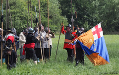 Hampton Court 1640's - 19 The field is ours. (Row 17) Tags: uk unitedkingdom gb greatbritain britain england herefordshire reenactment event 1640s people men man flag militia sealedknot candid parliamentarians