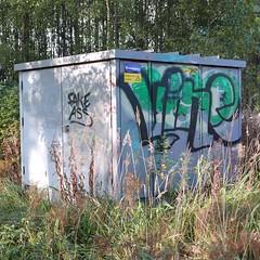 Fake Ass Vine (neppanen) Tags: sampen discounterintelligence helsinki helsinginkilometritehdas suomi finland piv66 pivno66 reitti66 reittino66 fake ass vine fakeass graffiti streetart