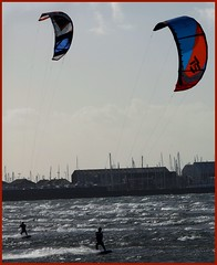 kite surfers (Duncan the road rebel) Tags: kitesurfer kite surfer water sport pastime outdoor outside outdooractivite