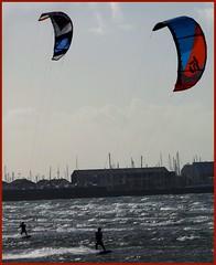 kite surfers (Duncan the road rebel) Tags: kitesurfer kite surfer water sport pastime outdoor outside outdooractivite