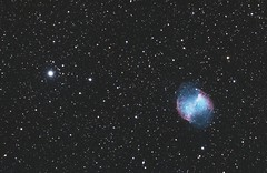 M27 - Dumbbell Nebula (DeepSkyDave) Tags: astrophotography astrofotografie astronomy astronomie night sky nacht himmel stars sterne deepsky cosmos kosmos natur nature long exposure langzeitbelichtung low light wenig licht canon eos 6d astrodon mod messier 27 september astrometrydotnet:id=nova1722151 astrometrydotnet:status=solved