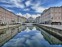 Canal Grande di Trieste (Luna y Valencia) Tags: santantoniotaumaturgo canalgrande trieste veneziagiulia italia riflesso