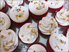 Red Velvet Cupcake (vanillabox) Tags: red velvet cupcake كيك الاحمر كب المخمل