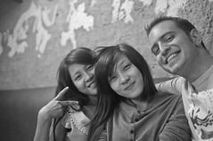 Karaoke en Vietnam 5 (destebani) Tags: girls bw byn blancoynegro blackwhite vietnamese bn vietnam karaoke chicas       vietnamitas shirokuro