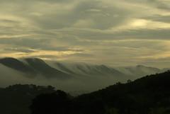 Nubes o agua? (Xemical) Tags: morning espaa cloud naturaleza maana nature fog clouds dawn spain dam foggy badajoz amanecer nubes sola niebla nube soon embalse bruma extremadura garca temprano brumas nieblas