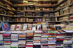 Books (andreagiube / Andrea Giubelli) Tags: reading book market culture libro mercato lettura cultura