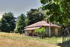 Old house, Moawhango, Rangitikei, New Zealand (brian nz) Tags: old newzealand house building abandoned home farmhouse rural rust decay farm cottage rusty derelict dilapidated deterioration manawatu rangitikei oldandbeautiful moawhango oncewashome