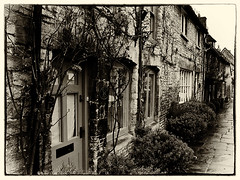 2013 28 (Nigel Bewley) Tags: street uk england blackandwhite cottage january cotswolds 365 everyday quaint oxfordshire oldfashioned oldworld chocolatebox cottages burford oldeworlde oldeengland yearinpictures stonebuilt cotswoldstone unlimitedphotos january2013 2013yip