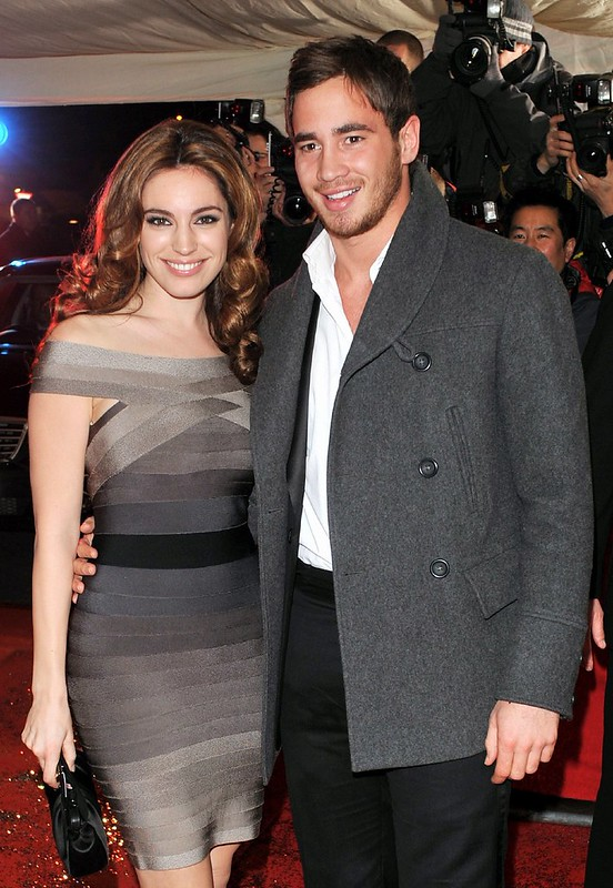 Kelly Brook single again after split from rugby hunk Thom Evans - WENN.com
