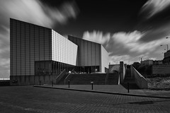 Turner Contemporary (scarlet-pimp) Tags: resort seasideresort england davidchipperfieldarchitects greatbritain mono davidchipperfield kent gallery clouds margate monochrome turnercontemporary museum longexposure architecture thanet sky blackandwhite turnergallery seaside