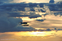 Stephen M. Fochuk C-FMXS (Stephen M. Fochuk) Tags: cfmxs nwt yellowknife sunset northwestterritories clouds dhc2 dehavillandbeaver floatplane aviation