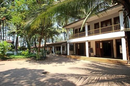 Golden Swan Beach Resort Murud