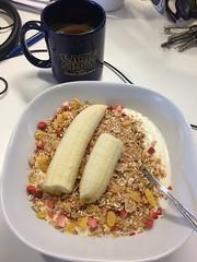 Frukost 21/9 (Atomeyes) Tags: mat frukost yoghurt vanilj msli banan kaffe