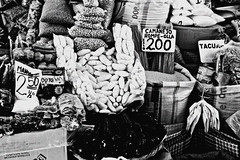 (enricoerriko) Tags: claro nyc milan mountains rome peru southamerica inca cuzco america la lima taxi cusco cerveza pueblo beijing feria per blanca mercado andes sur lama machupicchu festa colori mercato naranja arequipa italie sacredvalley pisac urubamba enrico incas oro inkas pisaq ollantaytambo ande amricadosul incakola  sudamrica ocra inkacola oceanopacifico  portocivitanova kolareal indaco andinas condori romeparis  frutasyhortalizas erriko  enricoerriko muieres inques gold