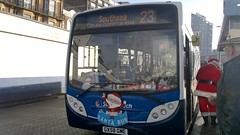Father Christmas (PD3.) Tags: santa christmas uk england bus buses hard hampshire portsmouth 300 quays stagecoach southsea enviro psv pcv gunwharf adl hants gme 27553 santabus gx58gme gx58