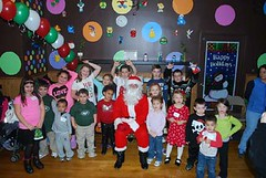 "kids with santa • <a style=""font-size:0.8em;"" href=""http://www.flickr.com/photos/66759318@N06/8286997241/"" target=""_blank"">View on Flickr</a>"